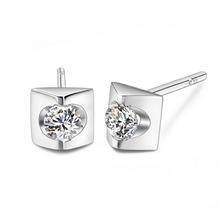 金750钻石耳钉